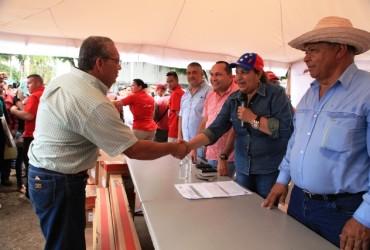 Gobernación sigue apoyando a los productores de Monagas
