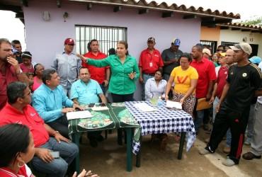 Santaella instala mesas de trabajo para atender necesidades de Villas del Sur