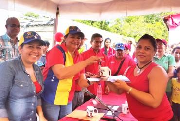"""Santaella entregó 15  viviendas en """"Villas Bolivarianas"""" de El Nazareno"""