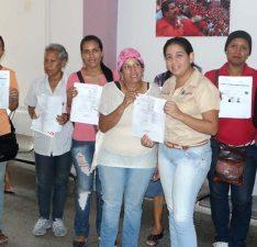 Gobernadora Santaella asume gastos de ocho casos oncológicos